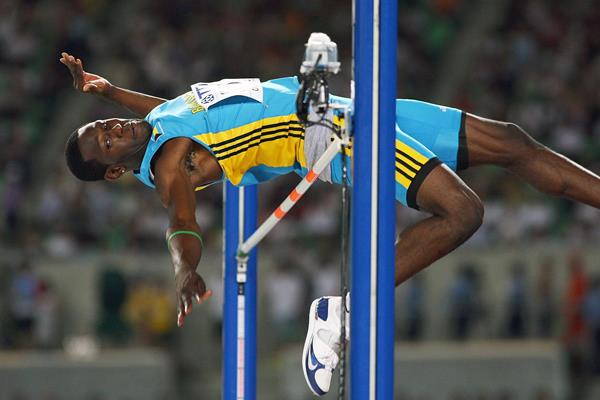 Donald Thomas in the high jump at the 2007 IAAF World Championships in Osaka (Getty Images)