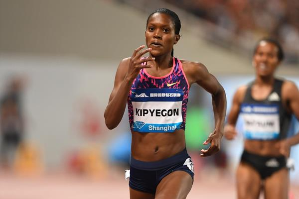 Faith Kipyegon en route to victory in the Shanghai 1500m (Errol Anderson/Jiro Mochizuki)