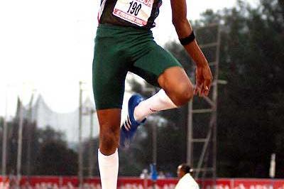 Khotso Mokoena in Long Jump action - 2005 South African Champs (Mark Ouma)