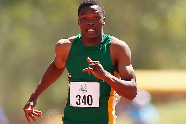 Tlotliso Leotlela on his way to winning the 200m at the Commonwealth Youth Games (Getty Images)