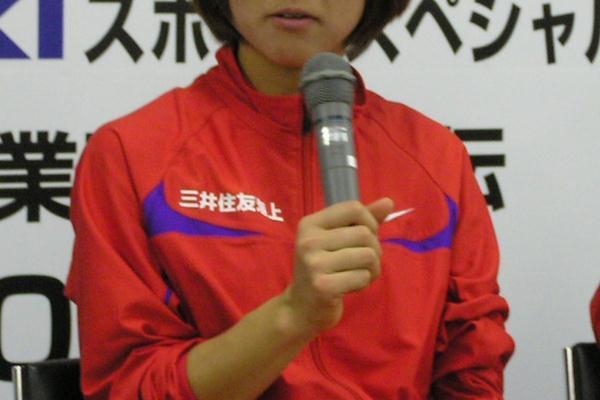 Yoko Shibui of Mitsui Sumitomo Kaijyo after the 2009 Women's Corporate Team Ekiden Championships (Ken Nakamura)