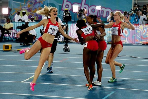 USA celebrate their 4x800m victory at the IAAF/BTC World Relays, Bahamas 2015 (Getty Images)