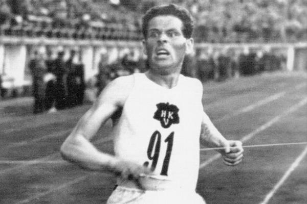 Finnish distance runner Taisto Maki (Suomen Urheilumuseo)