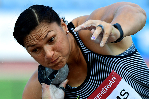 Valerie Adams, winner of the shot put in Szekesfehervar (AFP / Getty Images)
