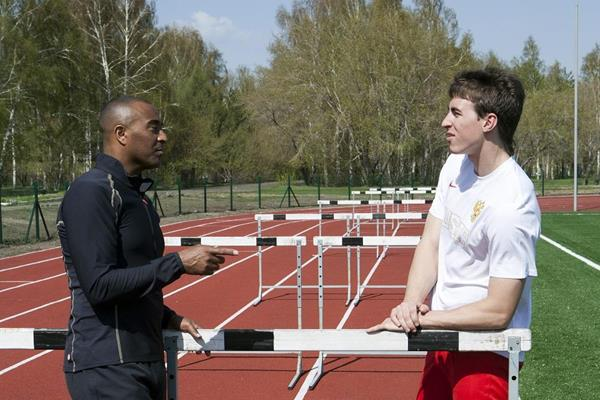 Sergey Shubenkov and Colin Jackson in Barnaul (SPIKES)