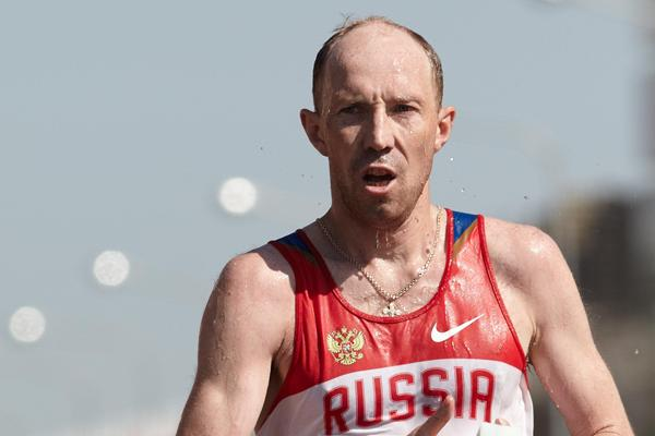 Sergey Kirdyapkin of Russia on his way to winning the 50km race in Saransk (Getty Images)