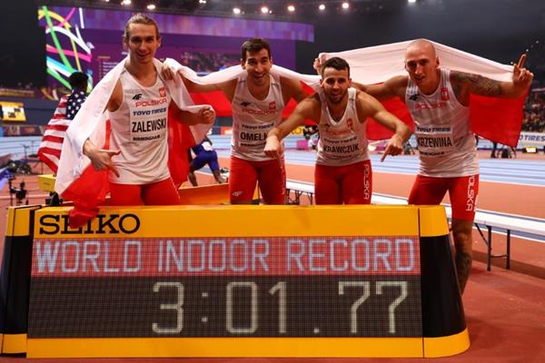 Poland with their 4x400m world record figures at the IAAF World Indoor Championships Birmingham 2018 (Getty Images)