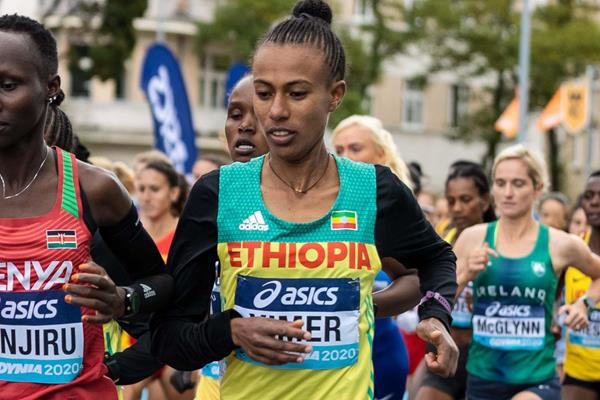 Zeineba Yimer in action at the World Athletics Half Marathon Championships Gdynia 2020 (Dan Vernon)