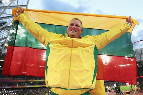 All smiles - Andrius Gudzius after winning the discus throw at the IAAF World Championships London 2017 (Getty Images)
