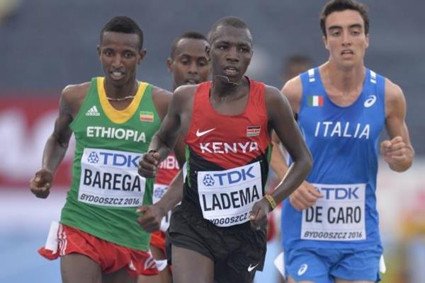 Selemon Barega (left) on his way to winning the 5000m at the IAAF World U20 Championships Bydgoszcz 2016 (Getty Images)