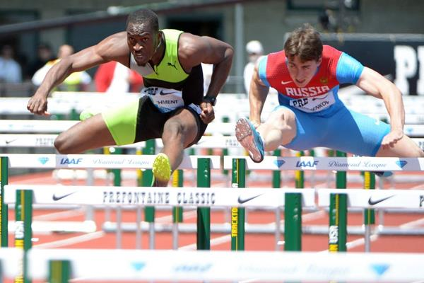 Hansle Parchment (left) winning at the 2013 IAAF Diamond League meeting in Eugene (Kirby Lee)
