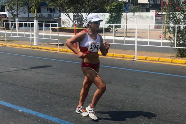 Evelyn Inga on her way to winning the 50km at the Pan American Race Walking Cup (Atletismo Peruano)