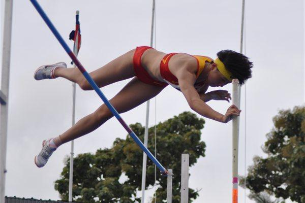 China's Xu Huiqin vaulted to a new meet mark of 4.25m at the Asian junior championships (Rahul Nawar)