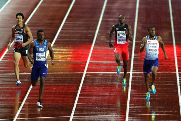 Isiah Young and Nethaneel Mitchell-Blake in the 200m semi-finals at the IAAF World Championships London 2017 (Getty Images)