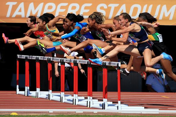 Athletes in action in the 100m hurdles at the IAAF World U20 Championships Tampere 2018 (Getty Images)
