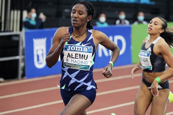 Habitam Alemu on her way to winning the 800m at the World Athletics Indoor Tour Gold meeting in Madrid (Jean-Pierre Durand)