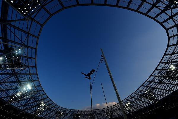 Renaud Lavillenie in the pole vault in London (Getty Images)
