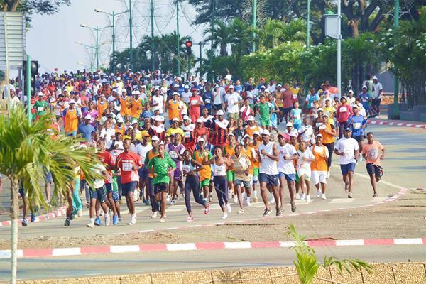 Runners in the Abidjan Marathon (Organisers)
