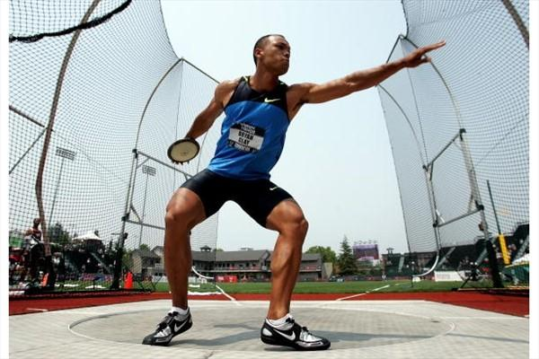 Bryan Clay throwing the discus at the 2008 US Olympic Trials (Getty Images)