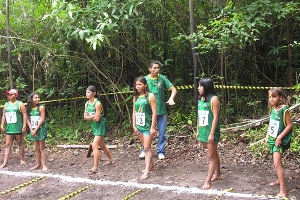 Start of women's 50m in the Amazonian jungle (Nick Davies)