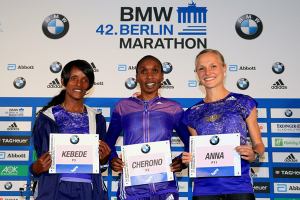 Aberu Kebede, Gladys Cherono and Anna Hahner ahead of the Berlin Marathon (Victah Sailer / organisers)