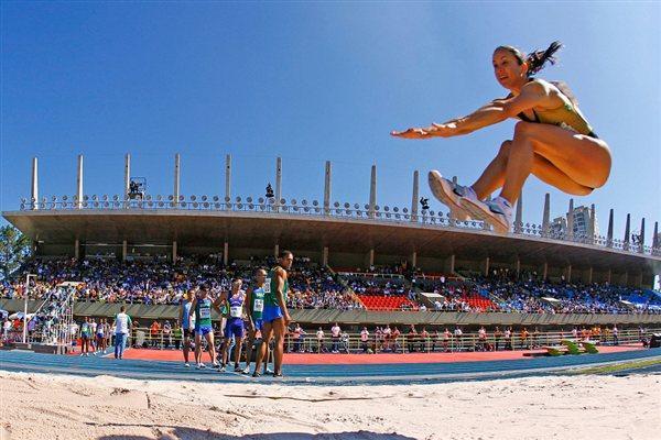 Maurren Maggi improves to 6.89m in São Paulo (Marcelo Ferrelli/CBAMa)
