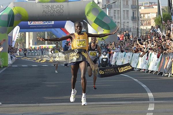 Stephen Kibet wins the Valencia Half Marathon (Organisers)