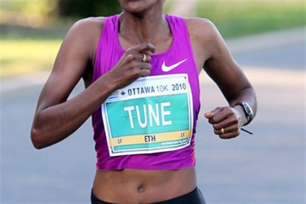 Comfortable victory for Dire Tune in the Ottawa 10Km (Victah Sailer)