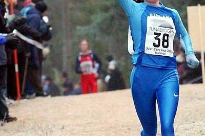 Ulla Tuimala of Finland wins the 2003 women's Nordic Cross Country Championships (Hasse Sjögren)