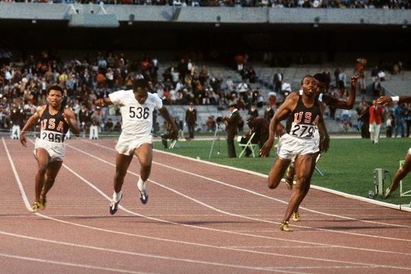 Jim Hines wins the 1968 Olympic 100m title in 9.95 (AFP / Getty Images)