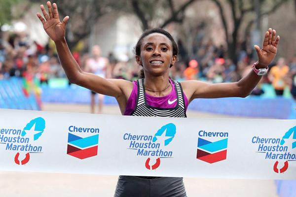Meskerem Assefa wins the Houston Marathon (Victah Sailer / organisers)