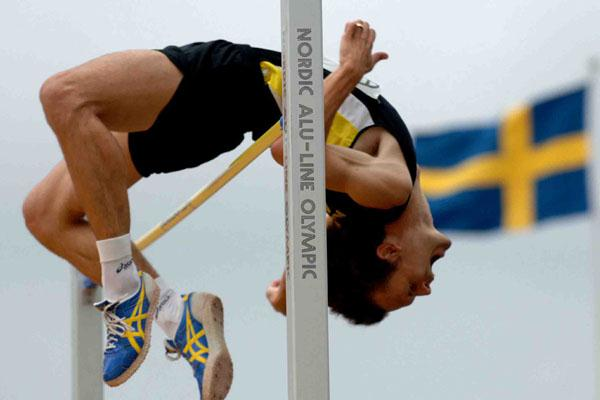 2.31 clearance for Stefan Holm at the Swedish Championships (Hasse Sjogren)