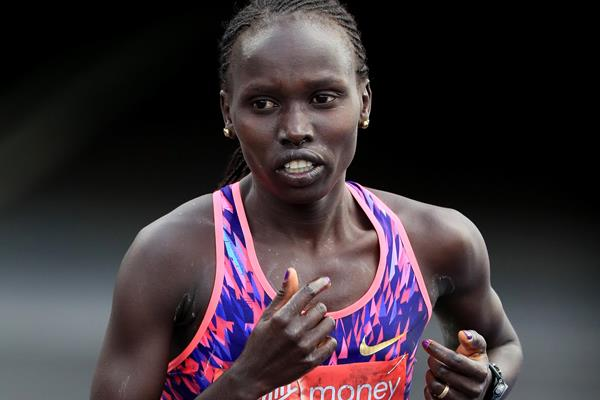 Vivian Cheruiyot in action at the London Marathon (Getty Images)