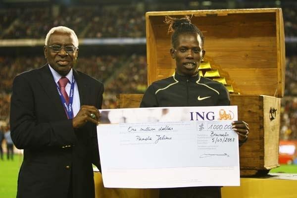 Pamela Jelimo of Kenya receives the Golden League $1 Million Jackpot from IAAF President Lamine Diack (Getty Images)