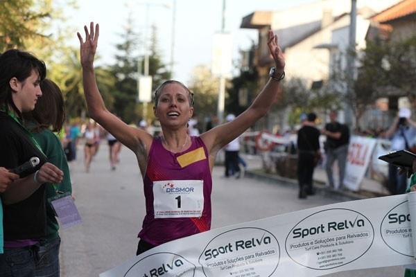 Olga Kaniskina cruises to victory in Rio Maior (Marcelino Almeida)