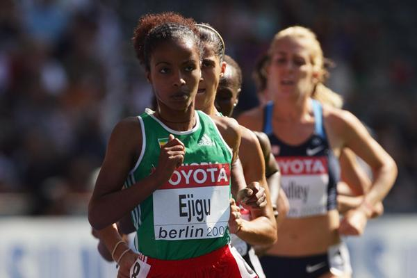 Sentayehu Ejigu of Ethiopia en route to winning the first heat of the women's 5000m heats at the 12th IAAF World Championships in Athletics (Getty Images)