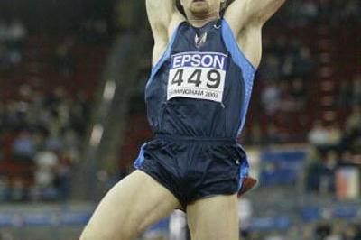 Tom Pappas (USA) competing in the long jump of the Heptathlon (Getty Images)