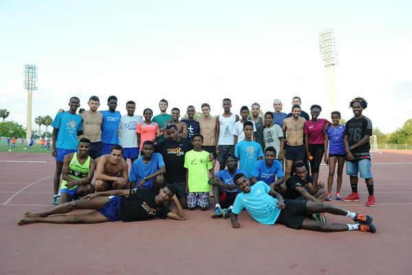 Members of the Alley Runners Athletics Club (Jiro Mochizuki)