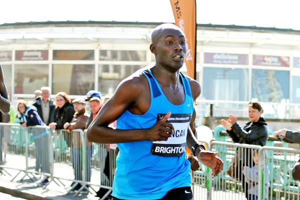 Duncan Maiyo in the 2015 Brighton Marathon (Mark Shearman)