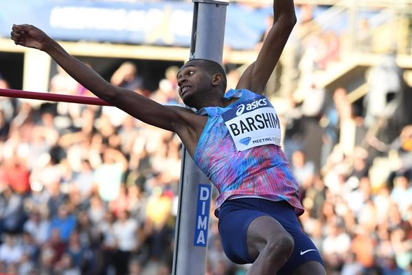 Mutaz Barshim leaping to victory at the IAAF Diamond League meeting in Paris (Gladys Chai von der Laage)