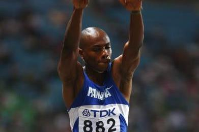 Irving Saladino of Panama wins gold in the men's Long Jump (Getty Images)