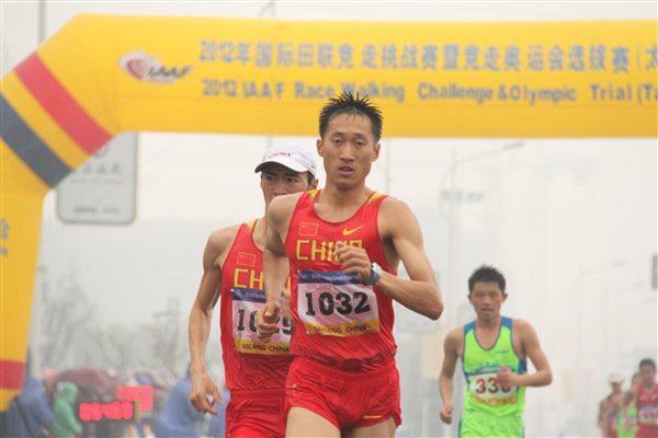 Wang Zhen on the way to an Asian 20Km record in Taicang (Organisers)