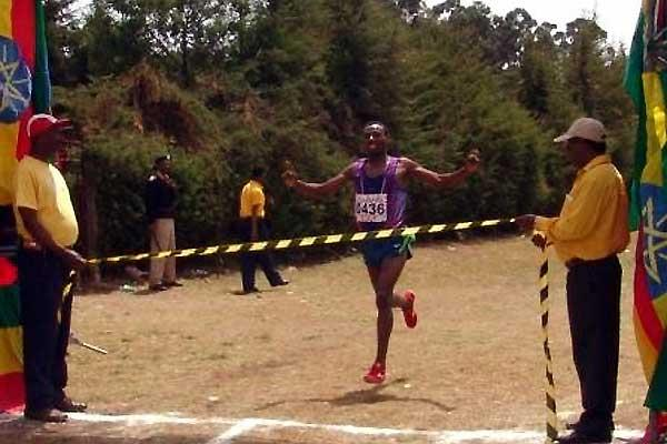 Tadesse Tola wins the 24th Jan Meda Cross Country International (Nahom Tesfaye)