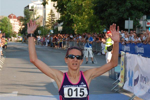 Lisa Stublic winning the Brcko 10k (Organisers)