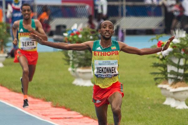 Jemal Yimer Mekkonen leads an Ethiopian 1-2 finish in the 10,000m at the 2018 African Championships (Bob Ramsak)