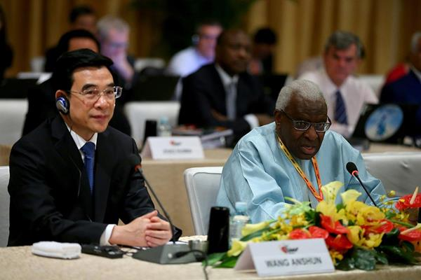 IAAF President Lamine Diack and Mayor of Beijing Wang Anshun at the IAAF Council Meeting in Beijing (Getty Images)