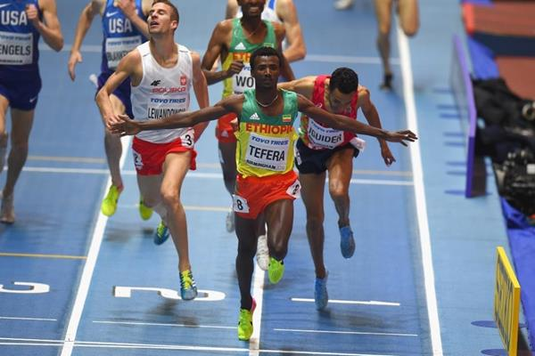 Samuel Tefera wins the 1500m at the IAAF World Indoor Championships Birmingham 2018 (Getty Images)