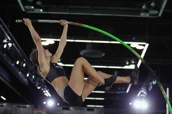 Eliza McCartney in the pole vault at the IAAF World Indoor Championships Portland 2016 (Getty Images)