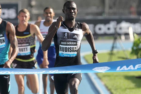 David Rudisha winning the 800m at the 2014 IAAF Diamond League meeting in New York (Victah Sailer)