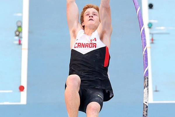 Shawn Barber in the pole vault at the IAAF World Championships (Getty Images)
